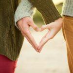 """برنامج """"إشراقات المودة"""" لتطوير مهارات الحياة الزوجية والأسرية"""
